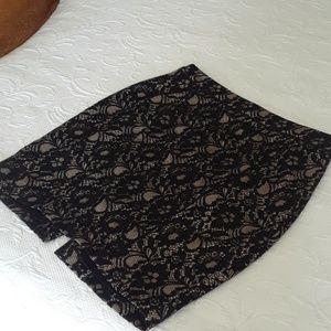 Black & Cream Lace Express Skirt Sz 4